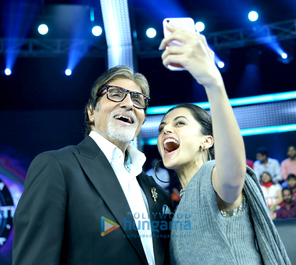 Check out Taapsee Pannu reunites with Pink co-star Amitabh Bachchan on the sets of Kaun Banega Crorepati 9 (2)