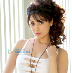 Celebrity Photos of Gurleen Chopra