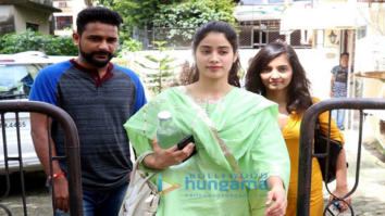 Jhanvi Kapoor spotted in a simple ethnic outfit