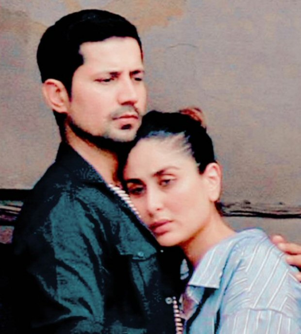 LEAKED PHOTOS Kareena Kapoor Khan and Sumeet Vyas embrace each other during Veere Di Wedding shoot in Delhi2