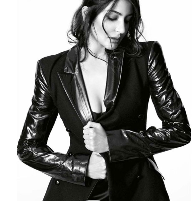 OMG! temperature in this sexy photoshoot for Vogue
