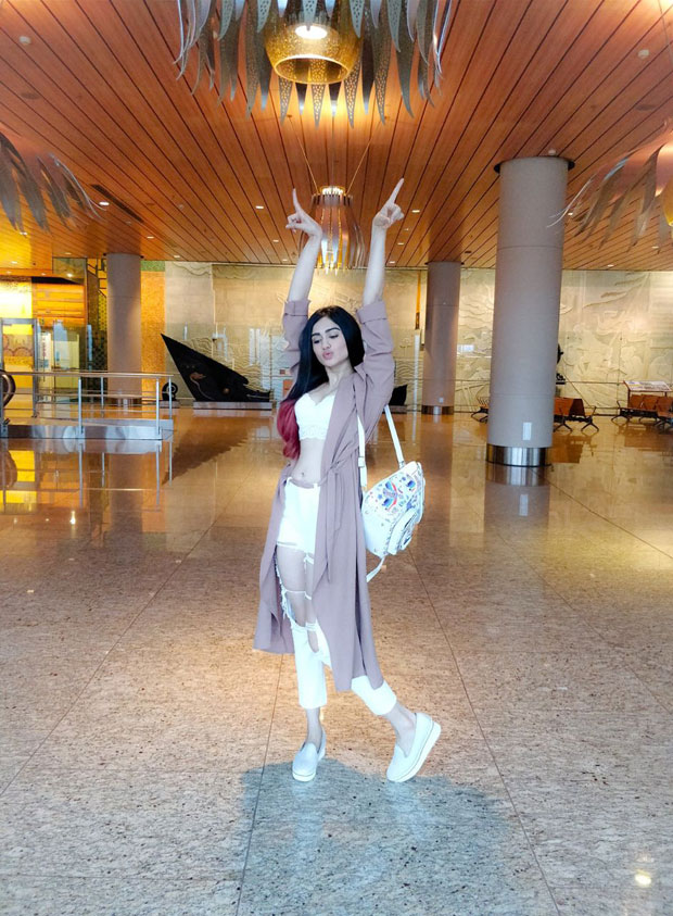 WHOA! Adah Sharma dons a sultry airport look (3)