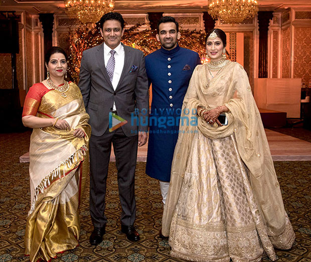 Anushka-Sharma,-Virat-Kohli-&-others-attend-Zaheer-Khan--Sagarika-Ghatge's-wedding-reception-(7)