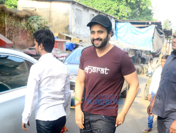 Jackky Bhagnani meets kids at an event organized by Smile Foundation