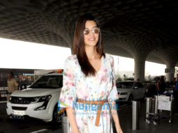 Kriti Sanon, Ranveer Singh and others snapped at the airport