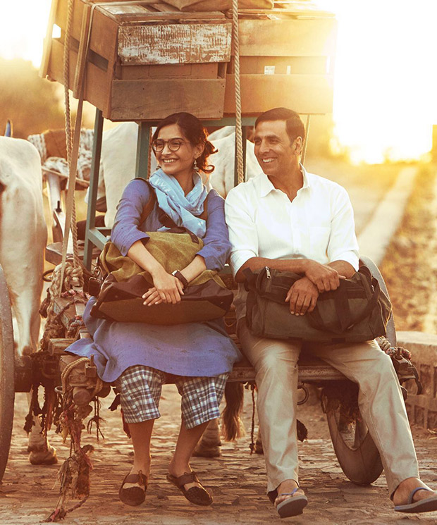 WOW! These two new stills of PadMan would surely make your day!
