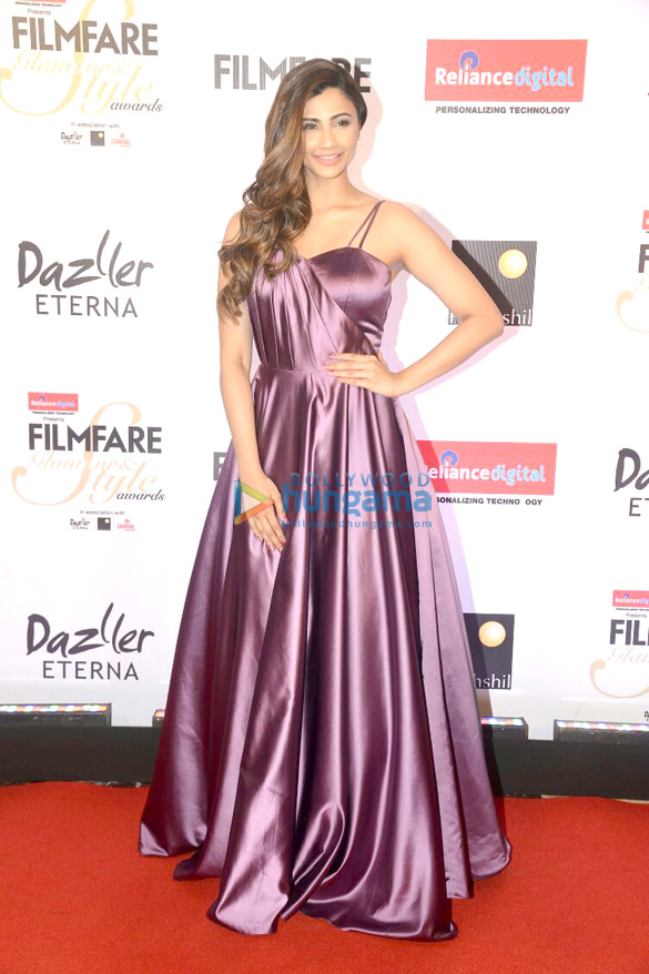 Here's what your favourite female stars wore at Filmfare Glamour and Style Awards 2017 (18)