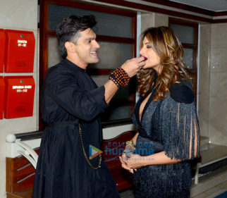 Bipasha Basu celebrates her birthday with media at her apartment