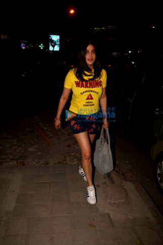 Shruti Haasan spotted at Santacruz