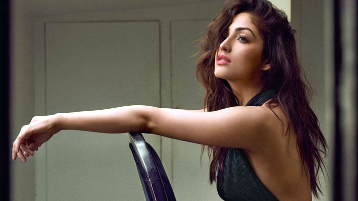 Bollywood Actress Yami Gautam Photoshoot: Yami Gautam Is Too HOT To Handle In This Behind The Scene