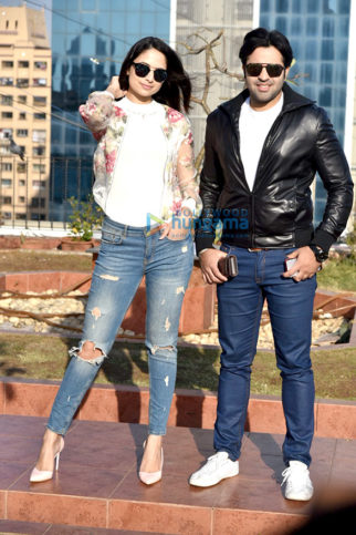 Zoya Afroz and Yuvraj Singh at a photoshoot