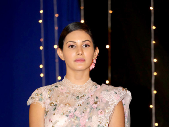 Amyra Dastur snapped sporting a vintage saree look