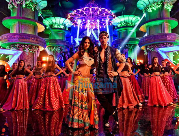 Tiger Shroff - Disha Patani starrer Baaghi 2 recreates 'Mundiyan To Bach Ke' in Bhangra style