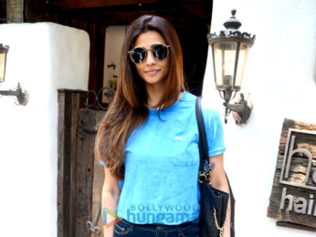 Daisy Shah snapped at Hakim's Aalim salon in Bandra