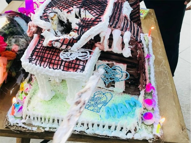 Kangana Ranaut's staff presents her with an unconventional birthday cake (see pictures)