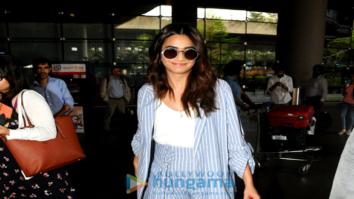 Kriti Kharbanda, Kriti Sanon and others snapped at the airport