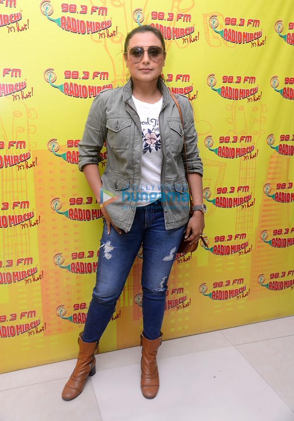 Rani Mukerji promotes 'Hichki' at Radio Mirchi at 98.3 FM Radio Mirchi