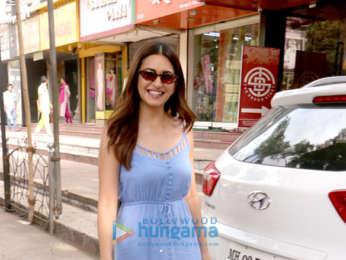 Kriti Kharbanda snapped at Archana Kocchar's showroom in Juhu