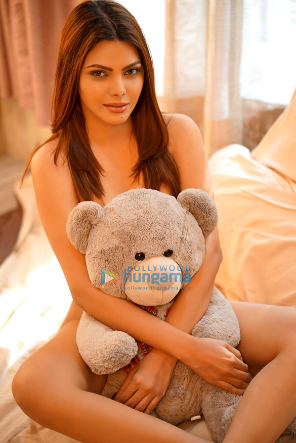 Celebrity Photo Of Sherlyn Chopra