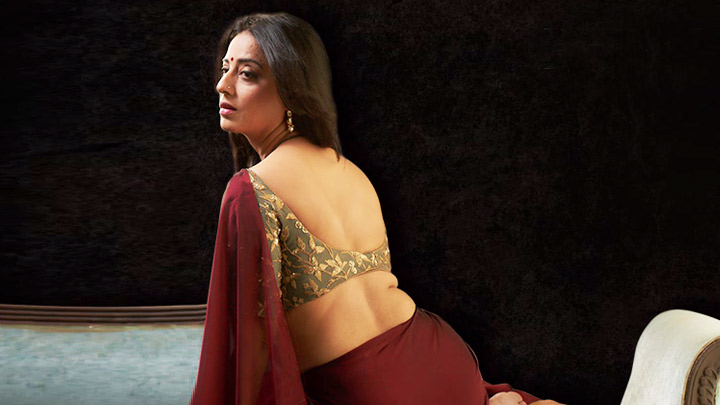 Mahie Gill features in this new motion poster of the film Saheb Biwi aur Gangster 3