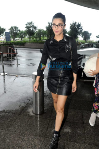 Shruti Haasan, Karishma Sharma and Kiara Advani others snapped at the airport