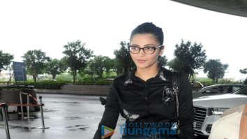 Shruti Haasan, Karishma Sharma and Kiara Advani others snapped at the airport