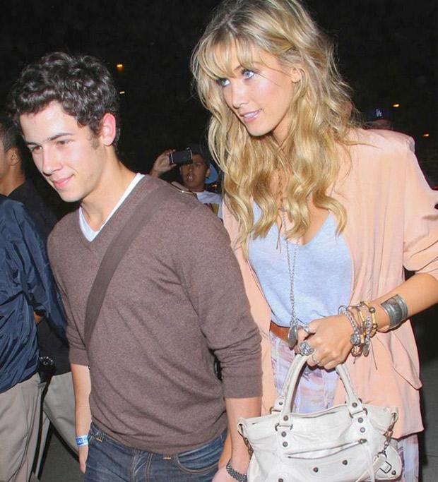 är Demi Lovato och Nick Jonas dating 2012 Hur man använder Oasis online dating