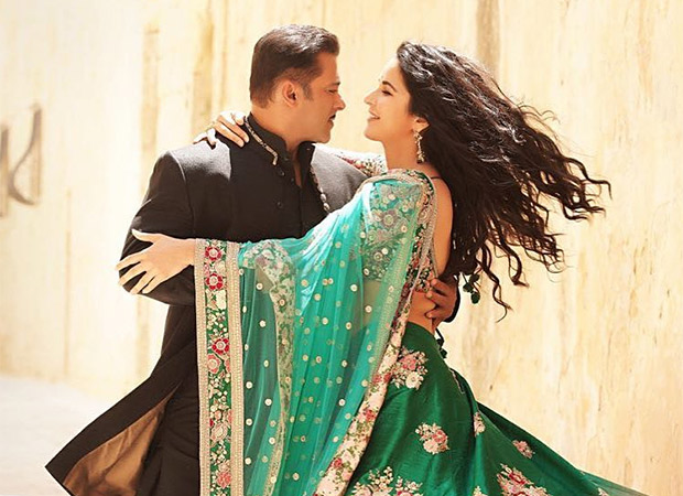 Bharat couple Salman Khan and Katrina Kaif in a ROMANTIC pose