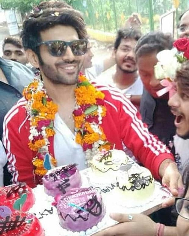 Kartik Aaryan gets a warm welcome in his hometown in Gwalior