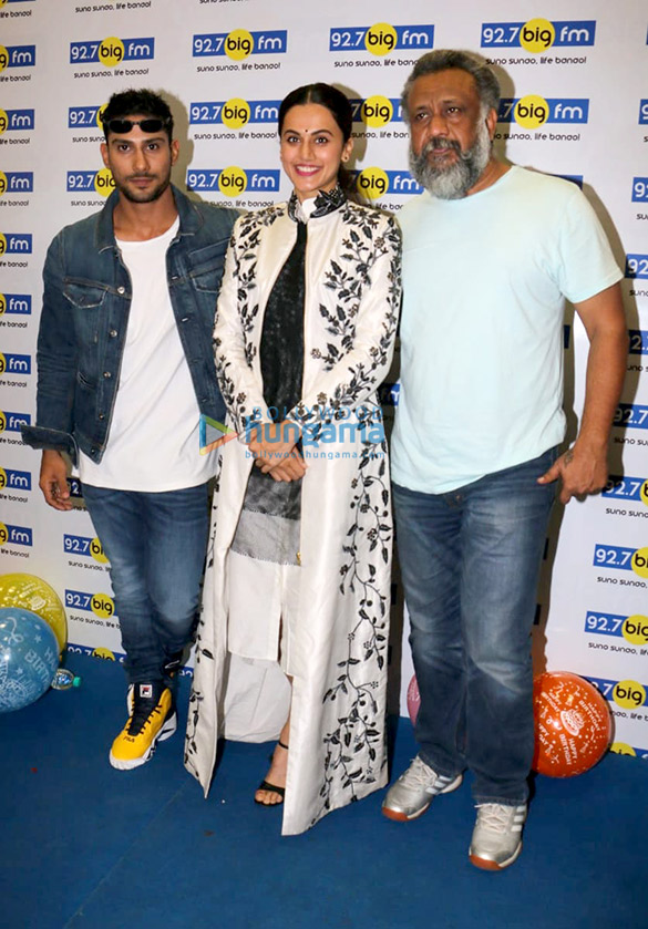 Taapsee Pannu, Prateik Babbar and Anubhav Sinha promote Mulk at 92.7 Big FM radio station