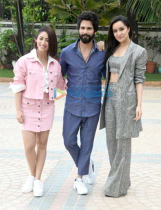 Shraddha Kapoor, Shahid Kapoor and Yami Gautam snapped during Batti Gul Meter Chalu promotions at Sea Princess Hotel in Juhu