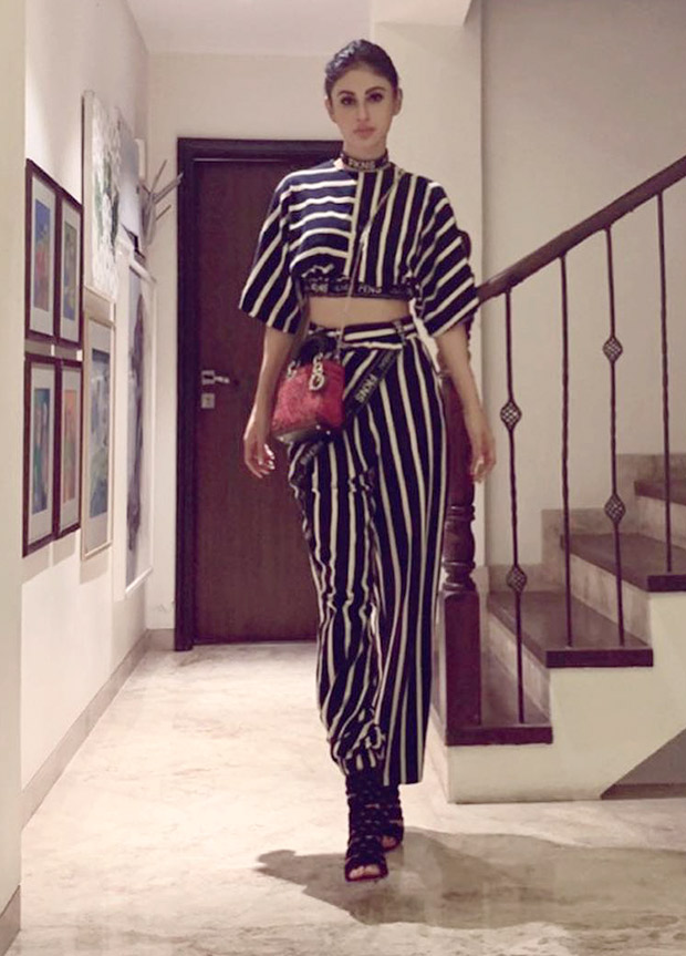 Mouni Roy in Narendra Kumar Ahmed for a casual night out with friends (2)