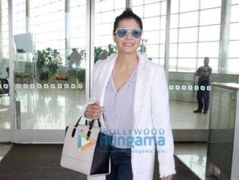 Priyanka Chopra, Vicky Kaushal, Kartik Aaryan and others snapped at the airport