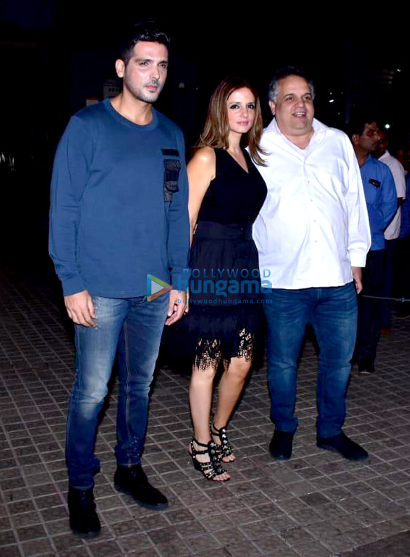 Janhvi Kapoor, Sara Ali Khan and others grace the special screening of 'Kedarnath' (5)
