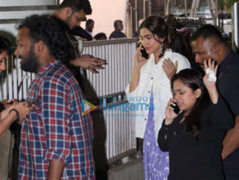 Sonam Kapoor Ahuja spotted on location of a shoot in Andheri